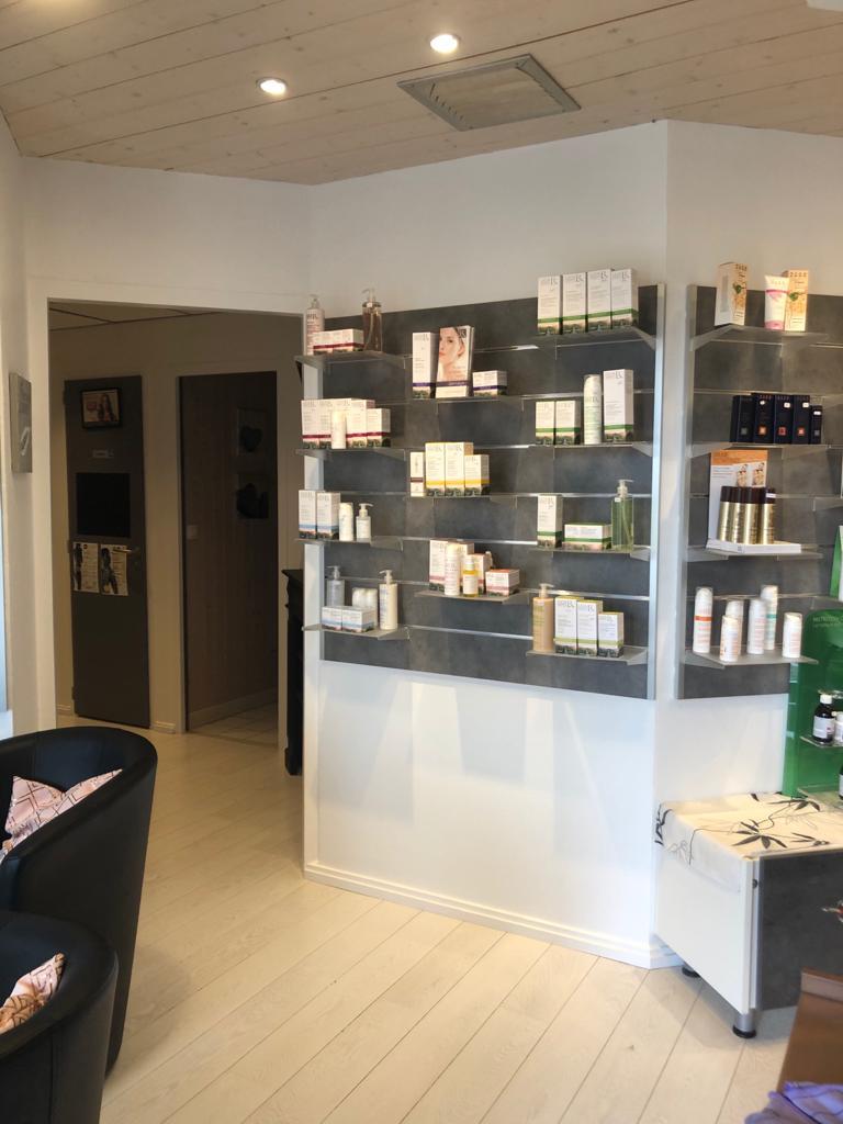 Du vernis au maquillage, la précision est de mise près d'Annecy | Institut L'Echappée Belle