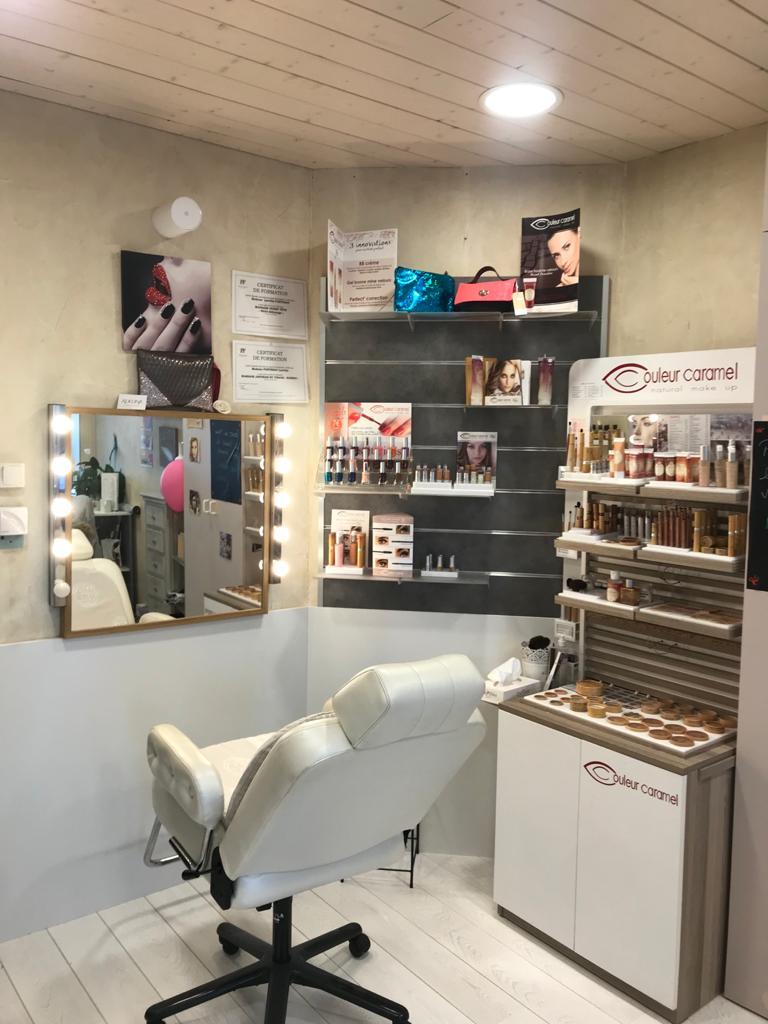 Séance de maquillage près d'Annecy | Institut L'Echappée Belle